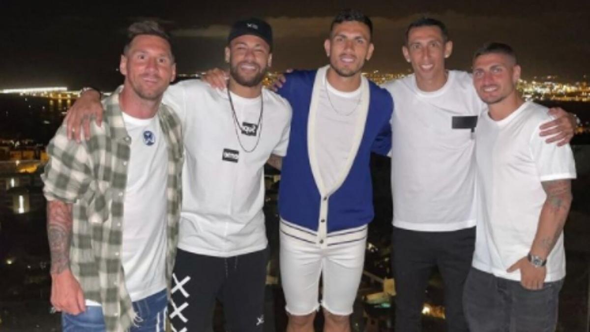 Messi đi chơi cùng dàn sao PSG trong kỳ nghỉ hè. (Ảnh: Marca)