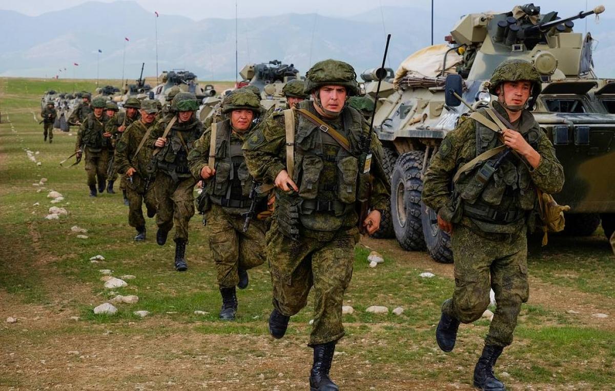 Tình hình Afghanistan ngày càng bất ổn, Nga liên tiếp tập trận với các nước láng giềng Trung Á. Ảnh: TASS