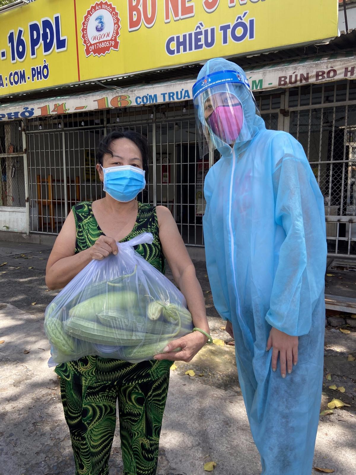 Ngày 30/07, toàn bộ số thực phẩm được vận chuyển đến TP. HCM, được đội ngũ tình nguyện viên gồm các đại sứ chương trình là Hoa hậu Khánh Vân, Á hậu Hoàng My, Á hậu Kim Duyên...