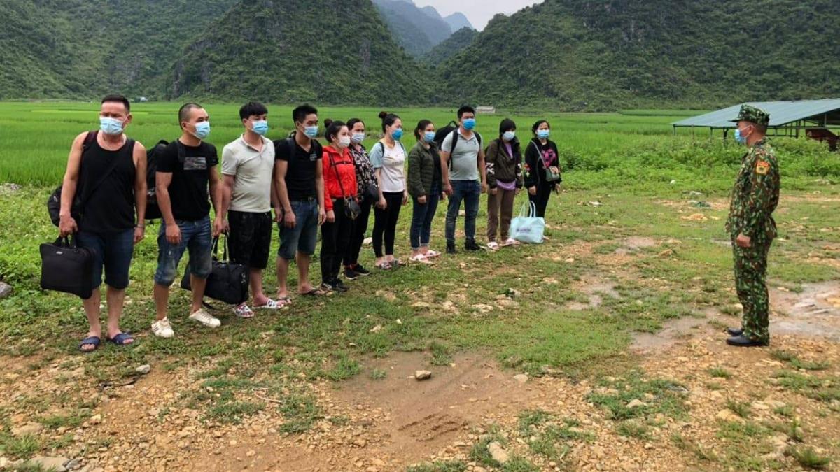 Đồn Biên phòng Ngọc Côn phát hiện, tạm giữ 11 người Việt Nam nhập cảnh trái phép