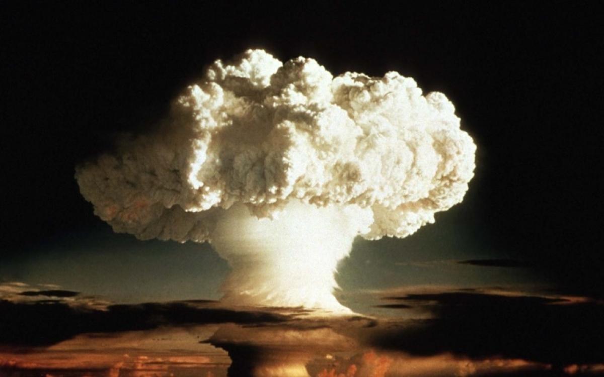 Hình ảnh một vụ nổ bom hạt nhân. Ảnh: PRI.