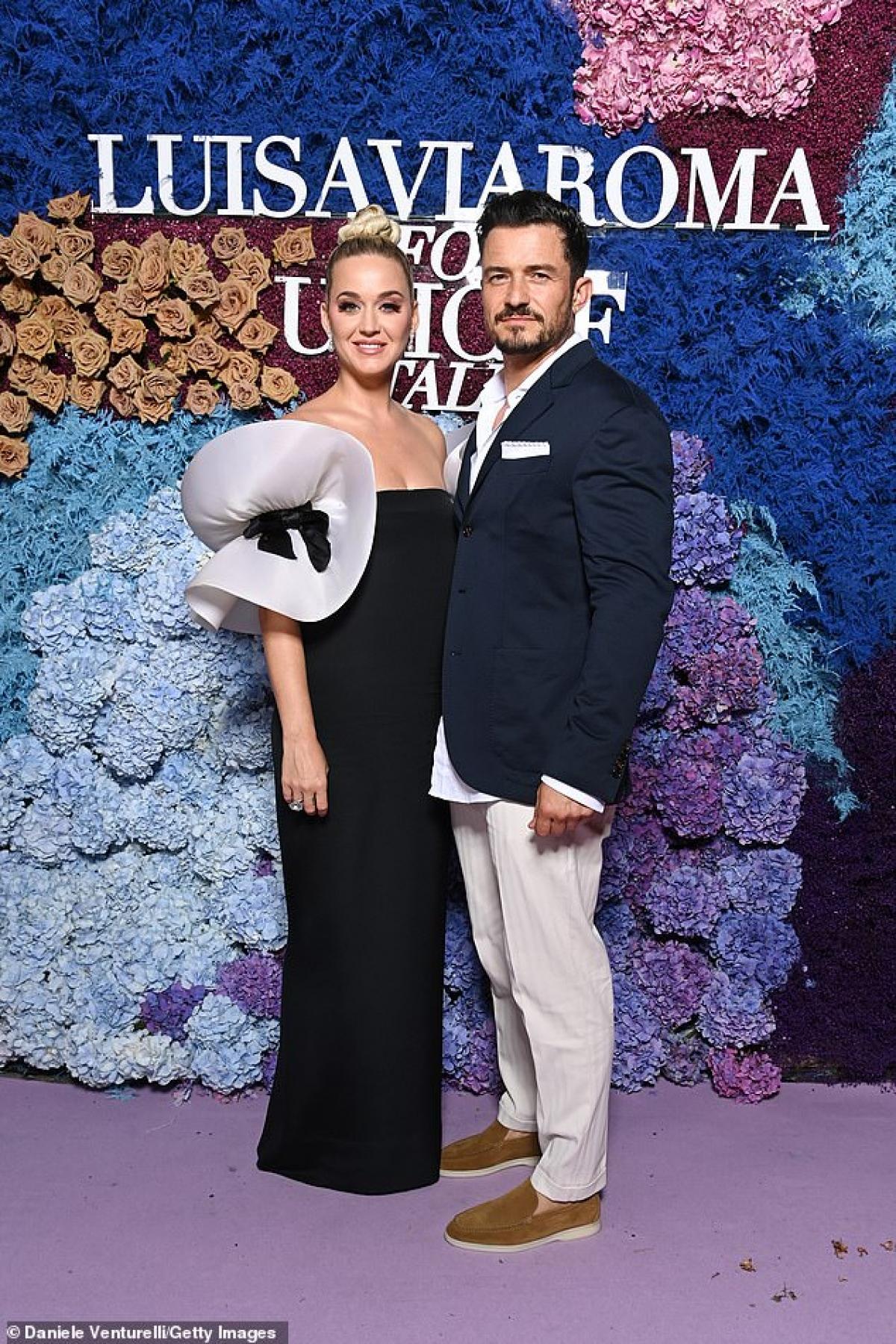 Katy Perry và tài tử Orlando Bloom tái xuất tại gala từ thiện của UNICEF diễn ra ở Capri, Ý dịp cuối tuần.