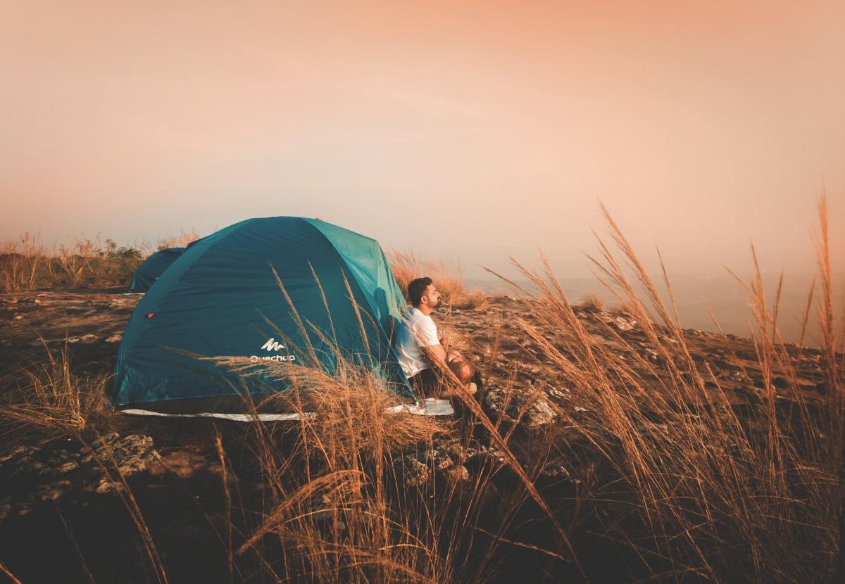Chuyến du lịch một mình sẽ giúp bạn có thời gian và sự riêng tưđể suy ngẫm về bản thân.Nguồn: Pexels