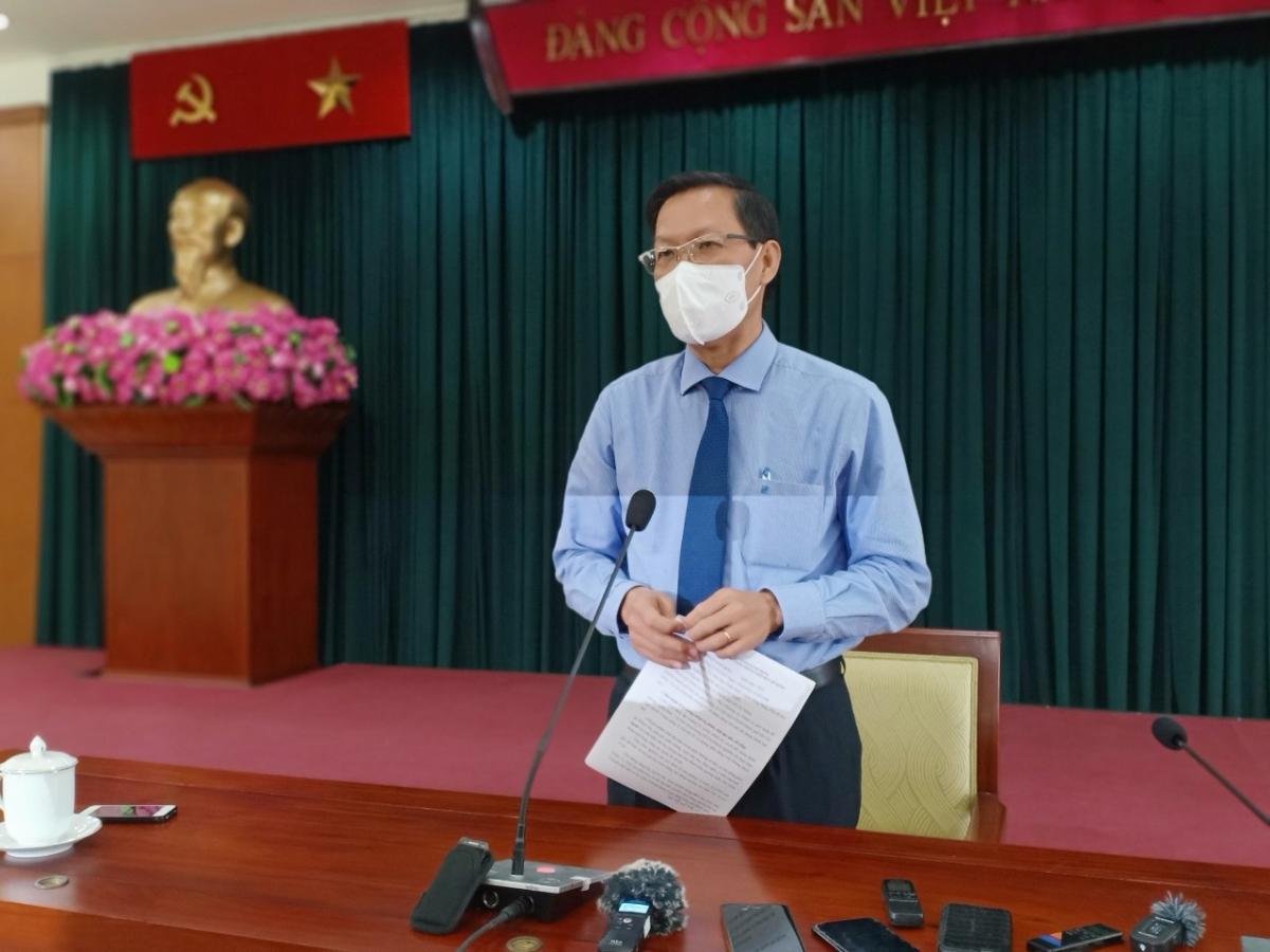 Ông Phan Văn Mãi tại buổi gặp gỡ báo chí.