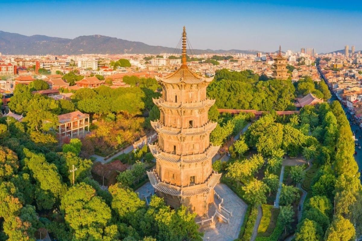 Thành phố cảng Tuyền Châu nhìn từ trên cao. Ảnh: Shutterstock