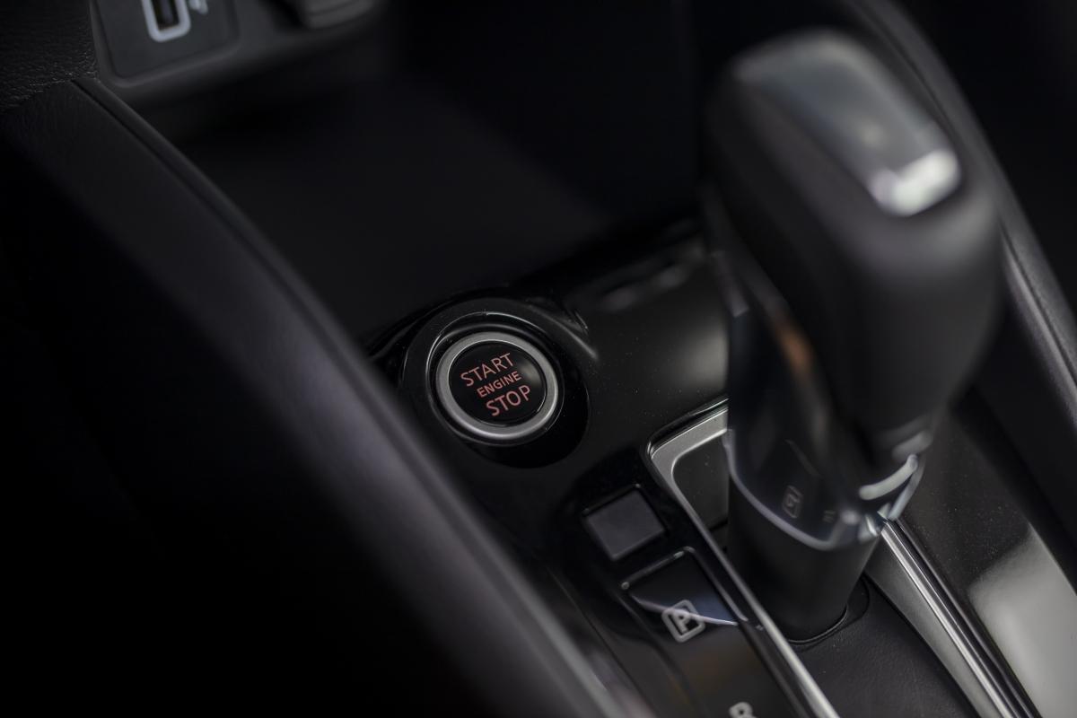 Về trang bị an toàn, Nissan Almera có nhiều tính năng hỗ trợ như: Camera 360 độ tích hợp cảnh báo va chạm, cảnh báo điểm mù (BSW), cảnh báo phương tiện cắt ngang (RCTA). Ngoài ra còn có hệ thống hỗ trợ khởi hành ngang dốc (HSA), camera lùi, hệ thống chống bó cứng phanh (ABS), hệ thống hỗ trợ lực phanh khẩn cấp (BA), hệ thống phân bổ lực phanh điện tử (EBD), hệ thống cân bằng điện tử , hệ thống kiểm soát lực kéo, 6 túi khí.