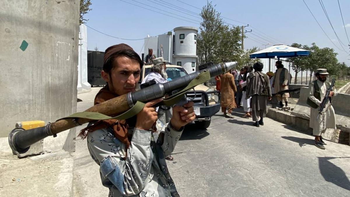 """Theo bản báo cáo mật của Liên Hợp Quốc, Taliban đã tiến hành các """"chuyến thăm có mục đích tới từng nhà"""" những người từng làm việc với các lực lượng Mỹ và NATO. Ảnh: BBC"""