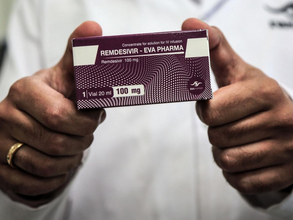 Bộ Y tế sẽ sớm cấp phép, đưa thuốc Remdesivir vào phác đồ điều trị COVID-19. (Ảnh: Getty Images)