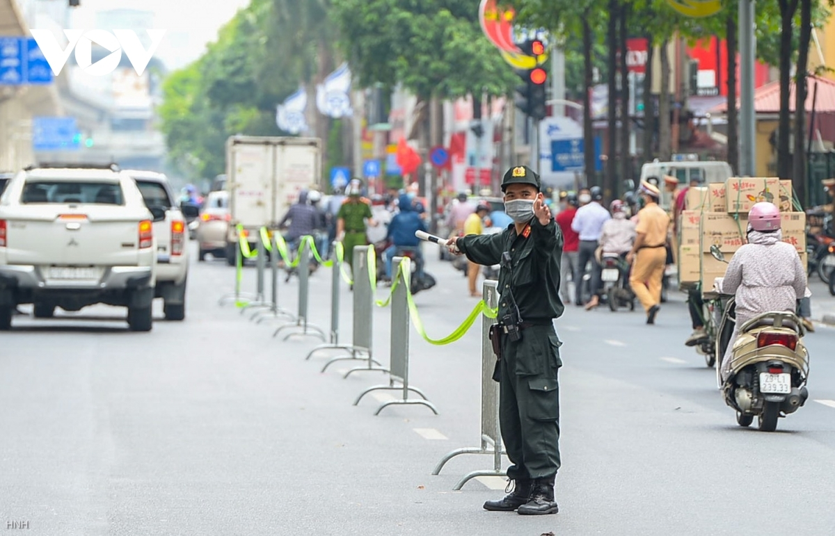 Each group consists of 15 members who will consecutively patrol through the streets of Hanoi in order to tighten COVID-19 prevention regulations.