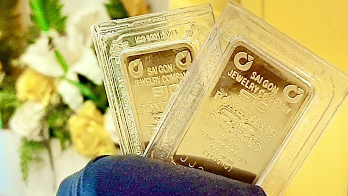 Giá vàng trong nước gần như ổn định trong bối cảnh giá vàng thế giới tăng nhẹ.