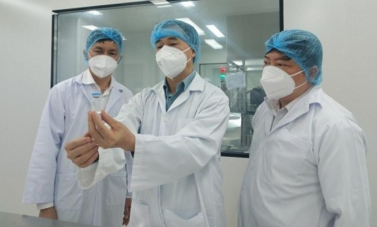 GS.TS Trần Văn Thuấn, Thứ trưởng Bộ Y tế làm việc với đại diện Công ty Nanogen.