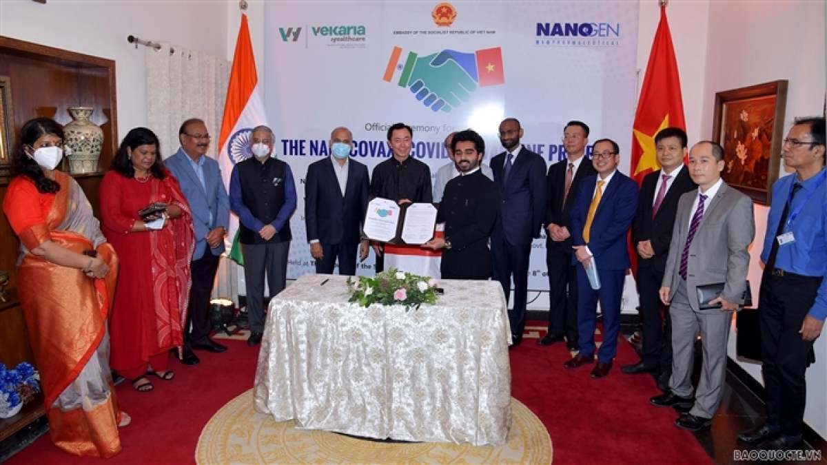 Vietnamese Ambassador to India Pham Sanh Chau and delegates at the event (Photo:baoquocte.vn)