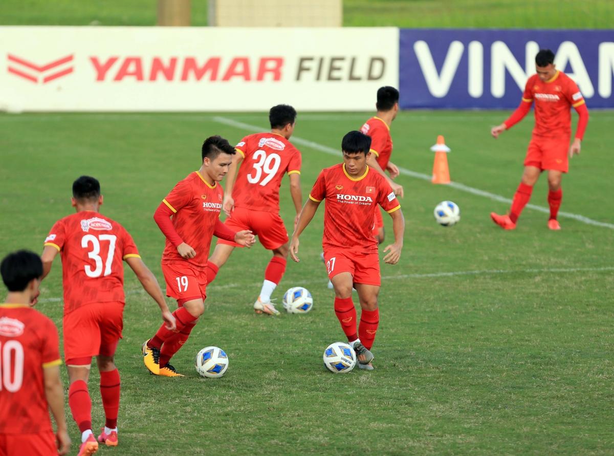 Chiều 28/9, ĐT Việt Nam có buổi tập tiếp theo tại trung tâm đào tạo bóng đá trẻ Việt Nam.
