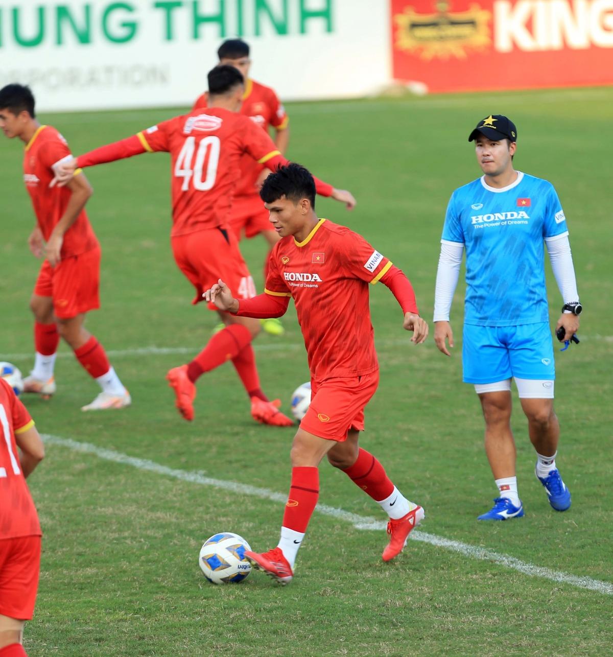 Cầu thủ của SLNAcho thấy sự hòa nhập tốt với các đồng đội dù vừa trải qua một thời gian không lên tuyển.