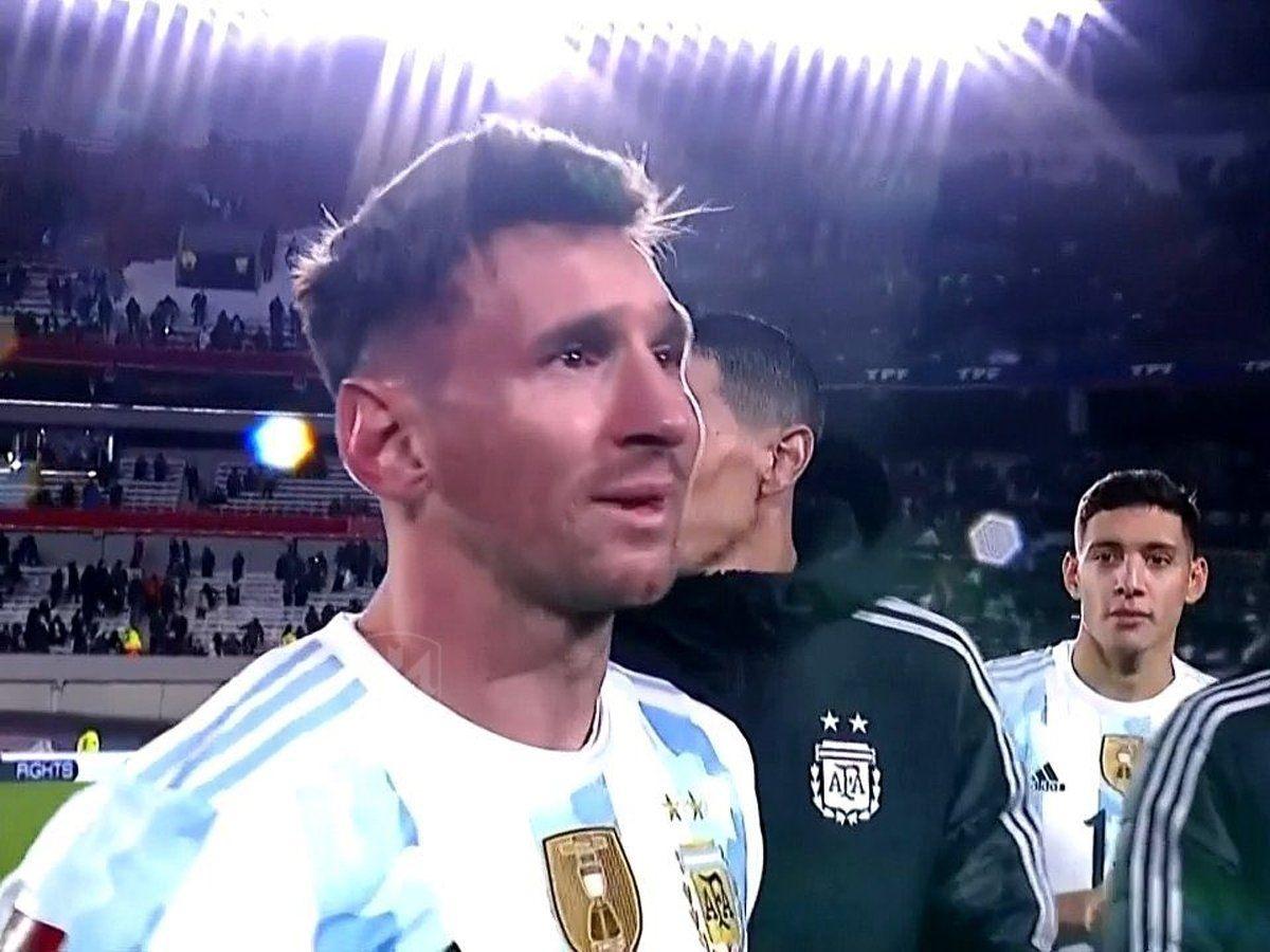 Messi bật khóc khi phá kỷ lục ghi bàn của huyền thoại Pele - Ảnh 5.