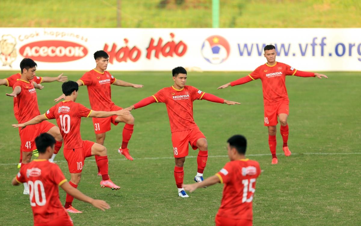 Ngày mai (29/9),ĐT Việt Nam sẽ có trận đấu tập nội bộ với ĐT U22 Việt Nam nhằm rà soát lực lượng lần cuối trước khi chốt danh sách đi UAE thi đấu với ĐT Trung Quốc.