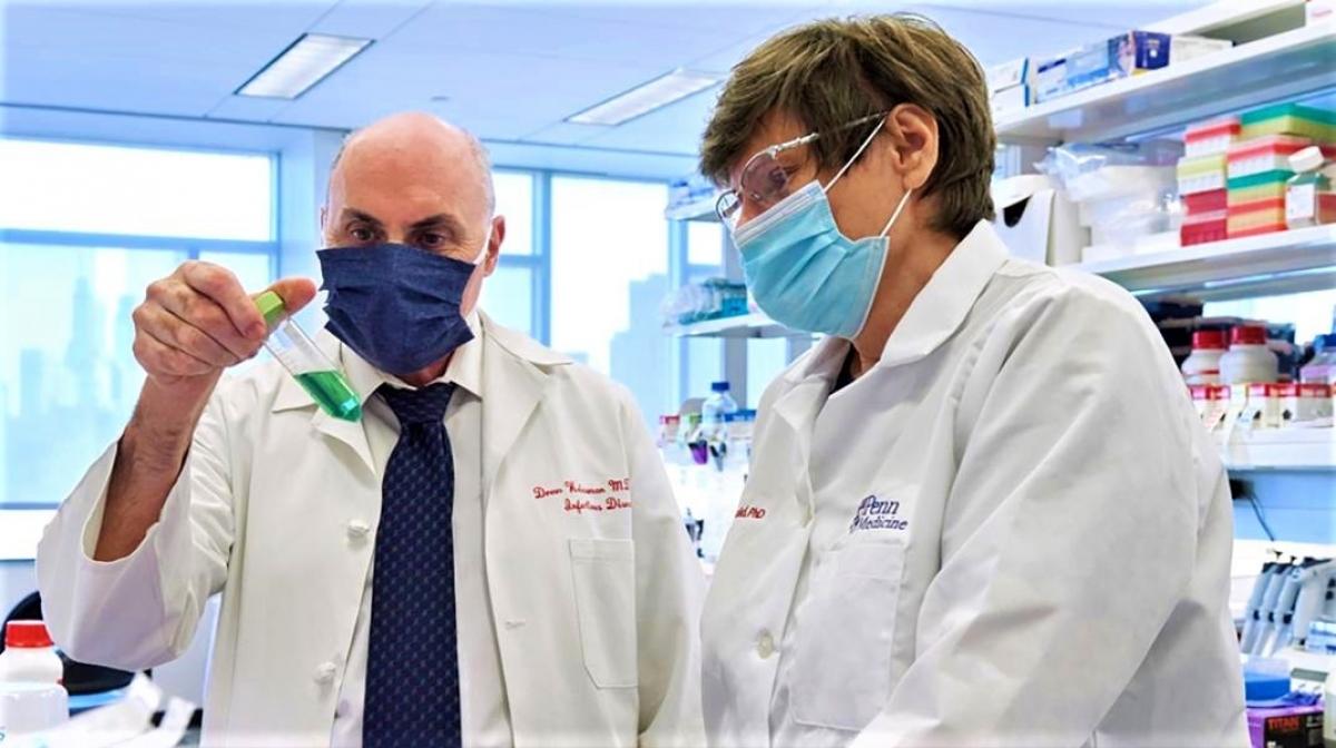 Hai nhà khoa học Katalin Karikó (phải) và Drew Weissman. Nguồn: vzonetvgh.com