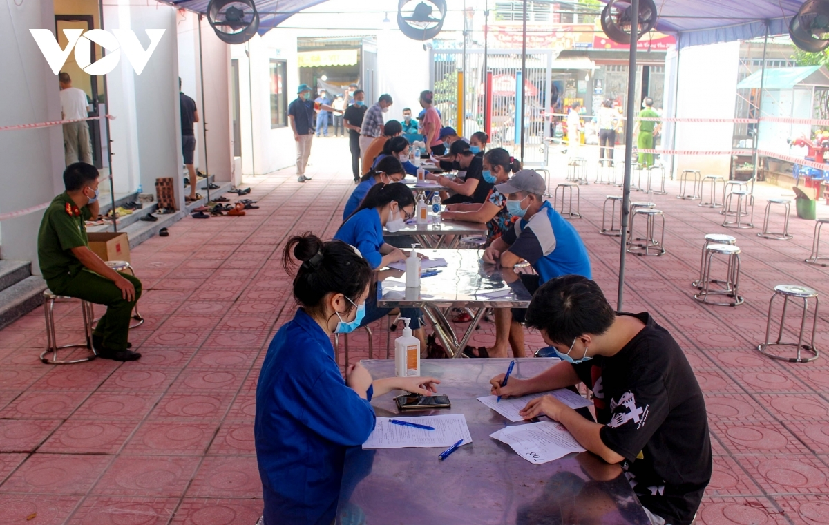 According to the plan, Linh Nam ward in Hoang Mai district will implement its vaccination schedule for residents between September 9 and September 12