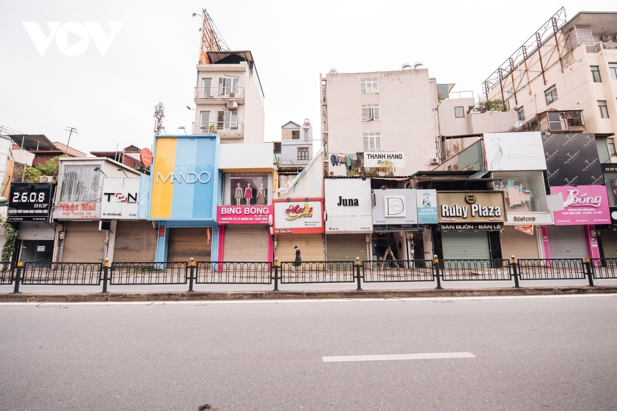 The quietness of the area has left many local businesses concerned about the future, despite being situated on traditionally one of the most bustling clothing selling streets in Hanoi, including Pham Ngoc Thach, Kim Ma, Thai Ha and Chua Boc streets.