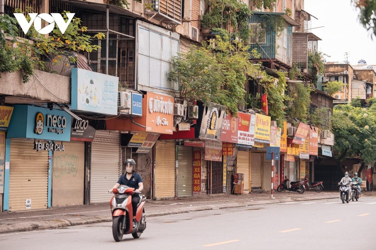 A corner of Ton That Tung street