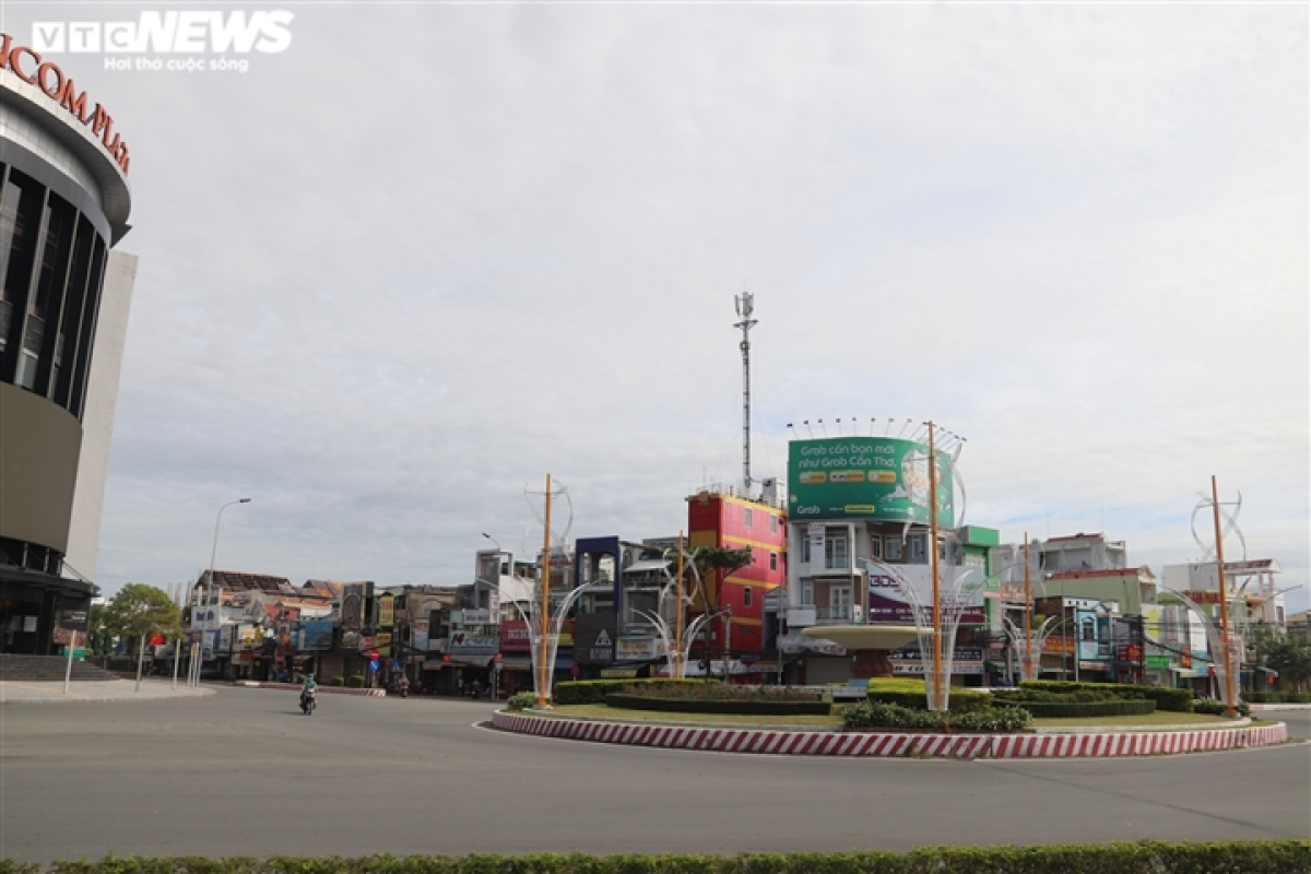 Can Tho city's centre is also less crowded, with the locality implementing social distancing measures to prevent the further spread of the pandemic.