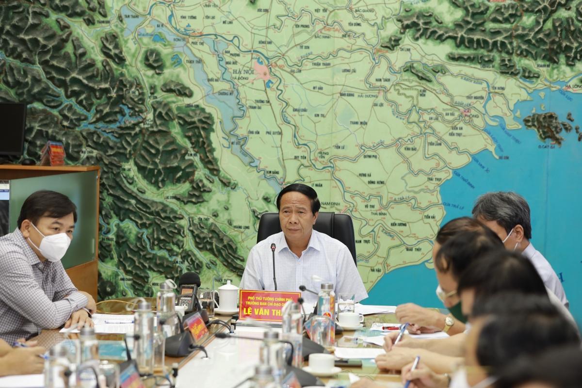 Phó Thủ tướng Lê Văn Thành, Trưởng Ban Chỉ đạo Quốc gia về phòng, chống thiên tai chủ trì cuộc họp.