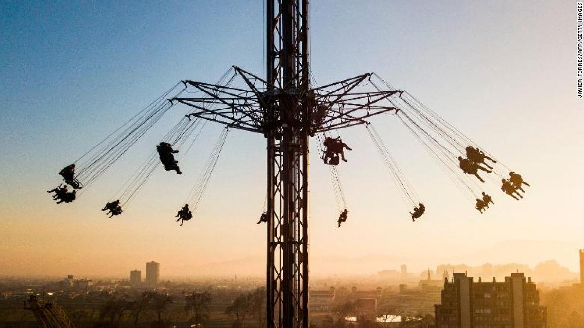 Một công viên giải trí ở Santiago, Chile ngày 30/7. Ảnh: CNN