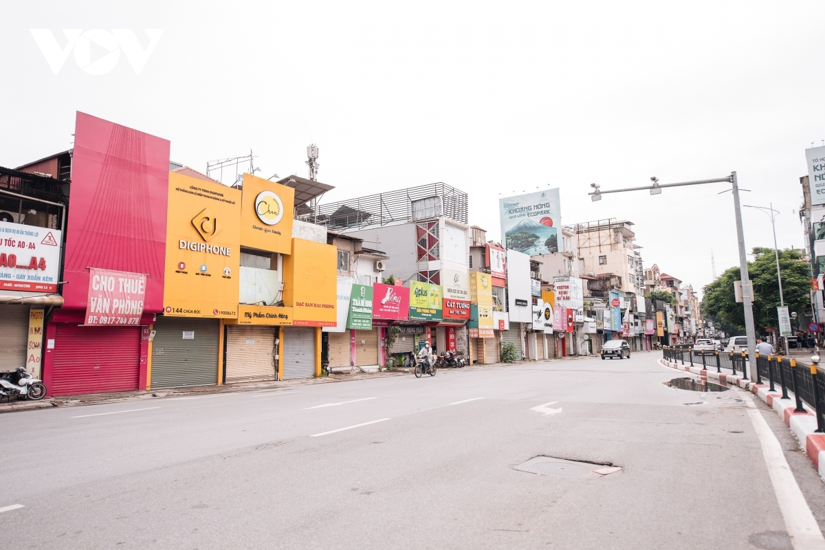 Under a decision signed by Hanoi Mayor Chu Ngoc Anh on September 15, the loosening of COVID-19 measures will apply to districts in the capital that have recorded no community COVID-19 cases since September 6.