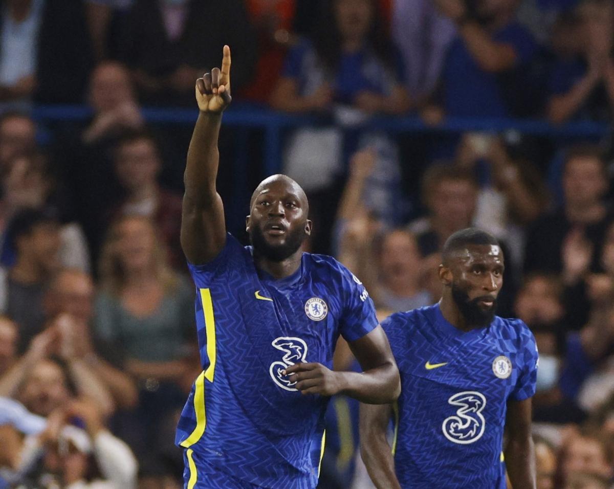 Lukaku tiếp tục tỏa sáng trong màu áo Chelsea (Ảnh: Reuters).