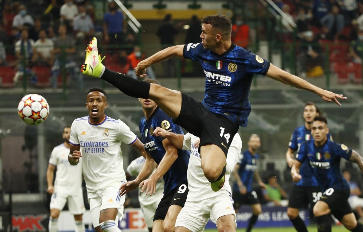 Inter Milan đang áp đảo cả về tỷ lệ kiểm soát bóng cũng như số cơ hội tạo ra. (Ảnh: Reuters).