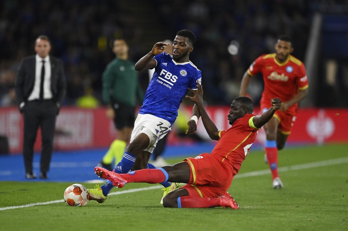 Leicester City đánh rơi chiến thắng trước Napoli (Ảnh: Reuters).