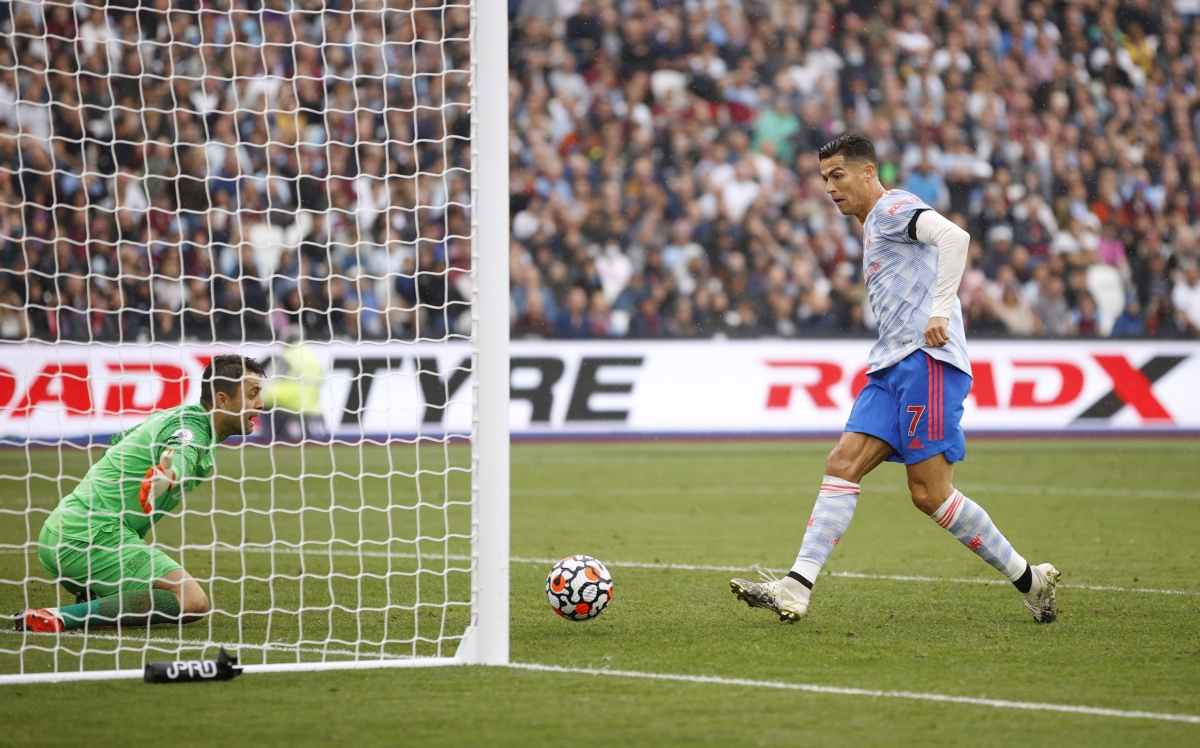 ... và bàn quân bình tỷ số của Ronaldo chỉ 5 phút sau đó. (Ảnh: Reuters).