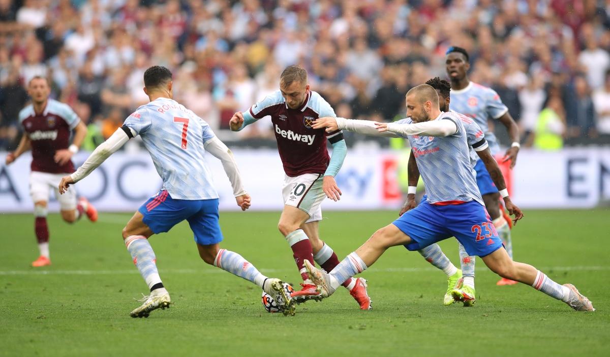 West Ham gây ra rất nhiều khó khăn cho MU. (Ảnh: Reuters).