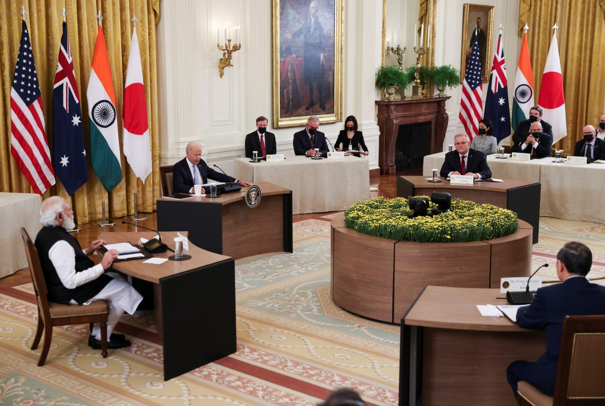 Một cuộc họp của nhóm Quad, có sự tham gia của Thủ tướng Nhật Bản Suga Yoshihide và Tổng thống Mỹ Joe Biden. Nguồn: Reuters