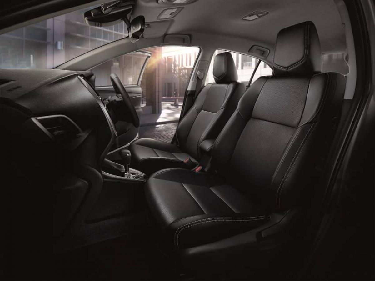 Về an toàn, Toyota Vios nâng cấp sẽ được trang bị các thiết bị an toàn chủ động như: Kiểm soát ổn định xe, kiểm soát lực kéo, hỗ trợ đổ đèo ngang dốc tiêu chuẩn; những tính năng cao cấp hơn sẽ được cung cấp trên bản Sport Premium bao gồm hệ thống tiền va chạm hoặc phanh khẩn cấp tự động và cảnh báo chệch làn đường.