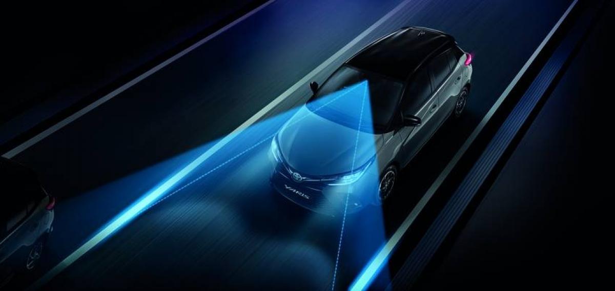 Thiết bị an toàn thụ động trên Vios nâng cấp đều giống nhau: túi khí ở phía trước, hông, rèm và đầu gối người lái cùng với ghế trước giảm thiểu va chạm. Cả 5 ghế đều có dây an toàn 3 điểm.