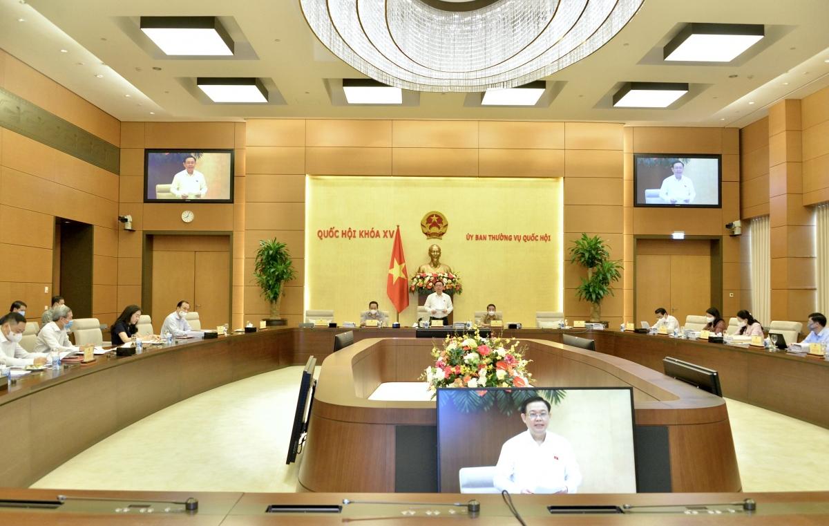 Chủ tịch Quốc hội Vương Đình Huệ chủ trì cuộc làm việc của Lãnh đạo Quốc hội với Thường trực Ủy ban Kinh tế, nghe báo cáo một số nội dung về Quy hoạch sử dụng đất quốc gia thời kỳ 2021 – 2030, tầm nhìn đến năm 2050, Kế hoạch sử dụng đất 5 năm (2021-2025) cấp quốc gia