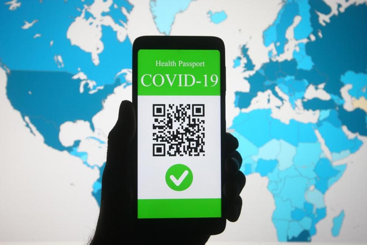 Nhiều nước châu Âu đã triển khai thẻ xanh vaccine như một công cụ để mở cửa trở lại. Ảnh minh họa: Getty Images