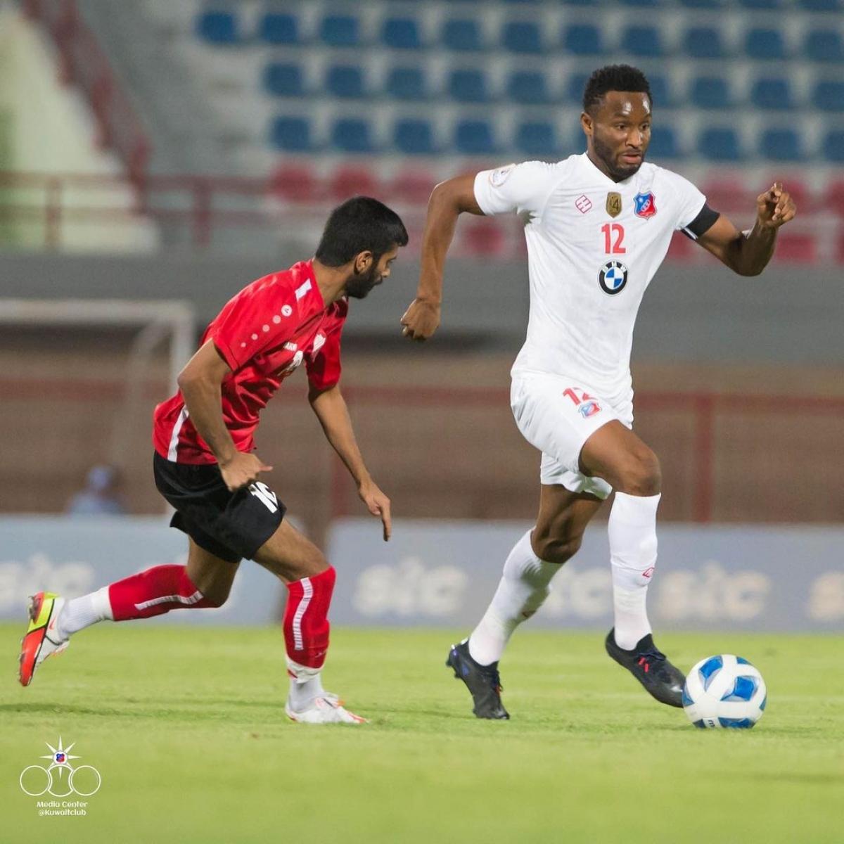 Obi Mikel trong màu áo Kuwait SC. (Ảnh: Kuwait SC).