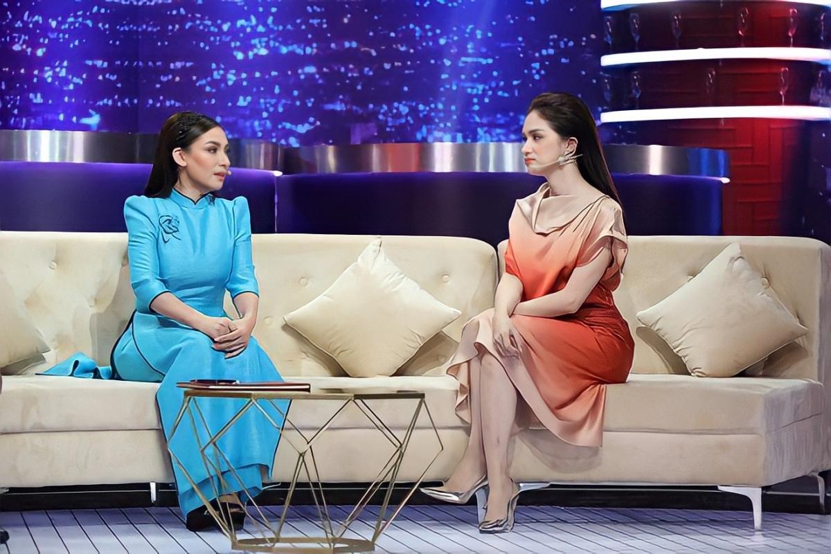 Hoa hậu Hương Giang và Phi Nhung