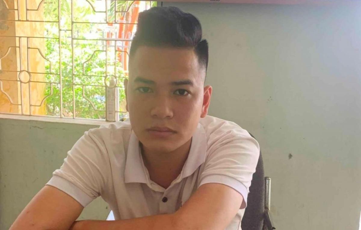 Đối tượng Trần Văn Thạch tại cơ quan công an. (Ảnh: CA Hải Phòng).