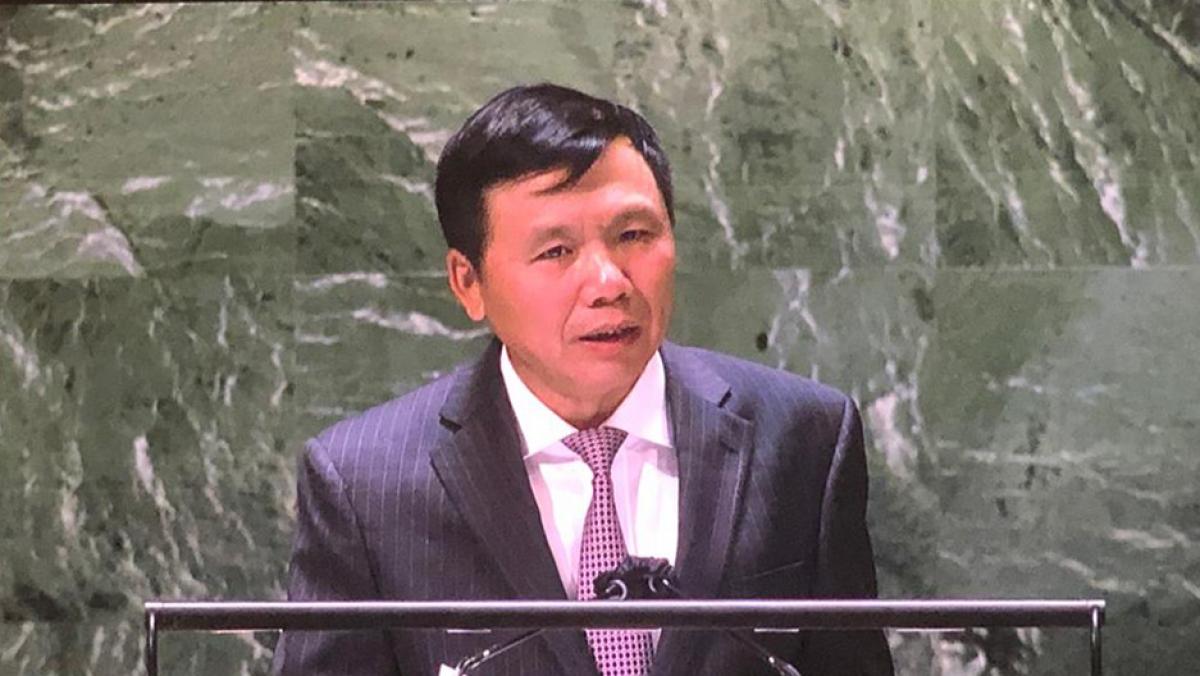 Đại sứ Đặng Đình Quý.