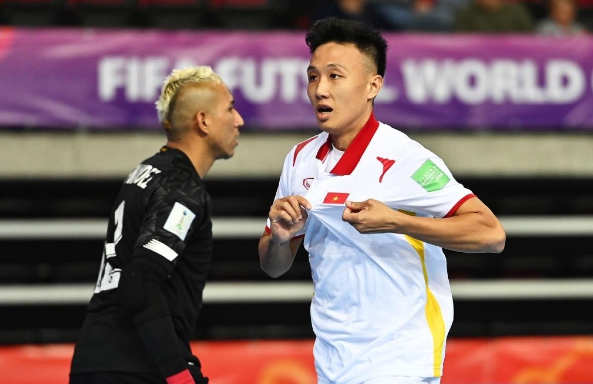 Với 3 điểm giành được trước Panama, Việt Nam đang xếp thứ 3 bảng D. Tuy nhiên, hiệu số -7 khiến thầy trò HLV Phạm Minh Giang thất thế trongcuộc đua trở thành 4 đội xếp thứ 3 có thành tích tốt.