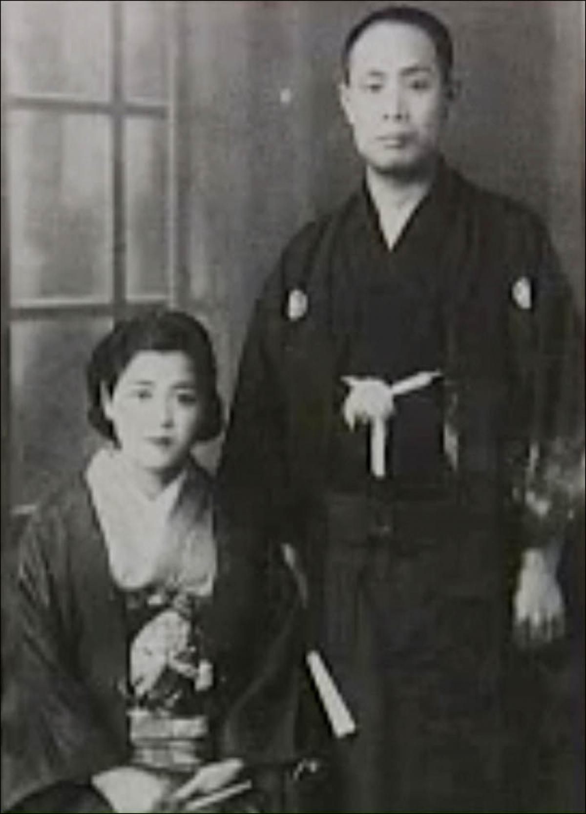 Ông Yasaburo và người vợ ở Nhật Bản, bà Hisako. Ảnh: RT en español