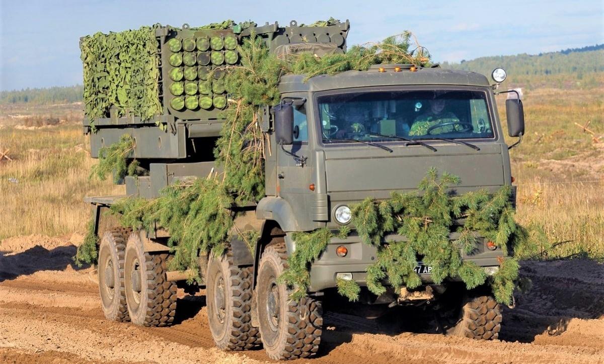 Hệ thống rải mìn từ xa Zemledeliye dựa trên xe địa hình KamAZ 8x8 bốn trục. Nguồn: Military Leak.com