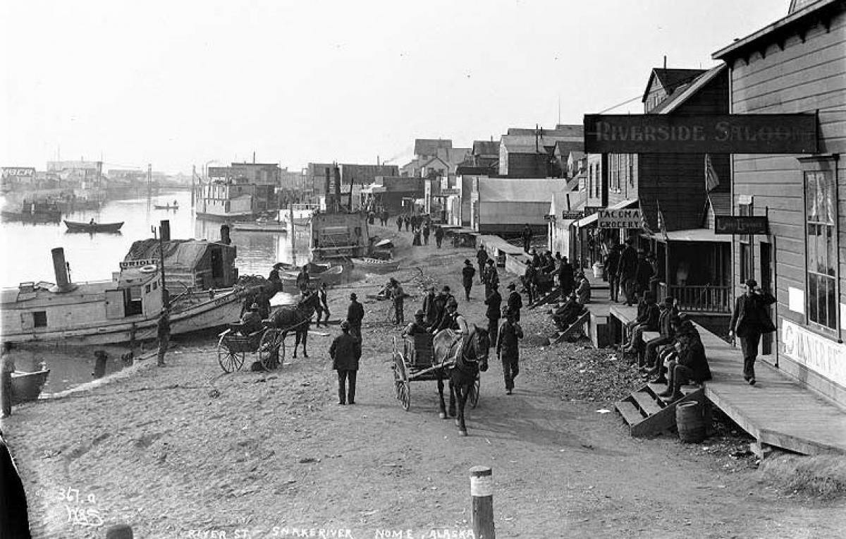 Với nỗ lực phi thường và sự hy sinh hết mình, những người lính tuần duyên đã giúp người dân đảo Unalaska vượt qua dịch cúm Tây Ban Nha năm 1919; Nguồn: wearethemighty.com