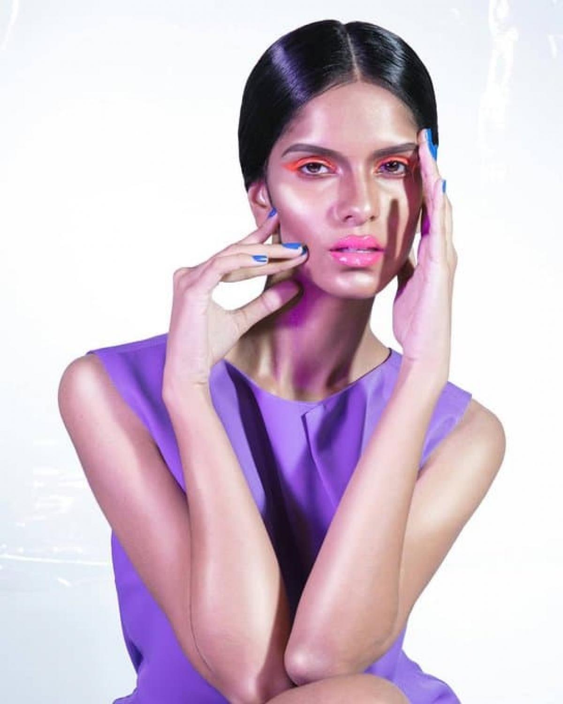 Nadita Banna là người gốc Ấn, cô sở hữu nhan sắc đặc trưng của phụ nữ Ấn Độ.