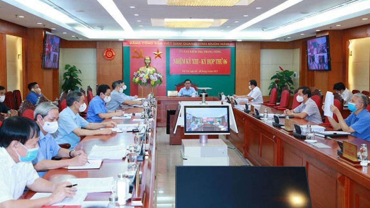 Toàn cảnh kỳ họp thứ 6, Ủy ban Kiểm tra Trung ương.