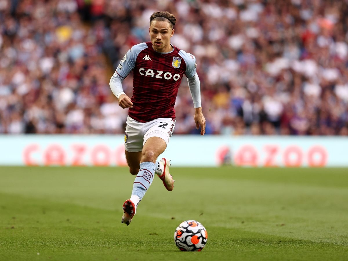 Hậu vệ: Matty Cash (Aston Villa)