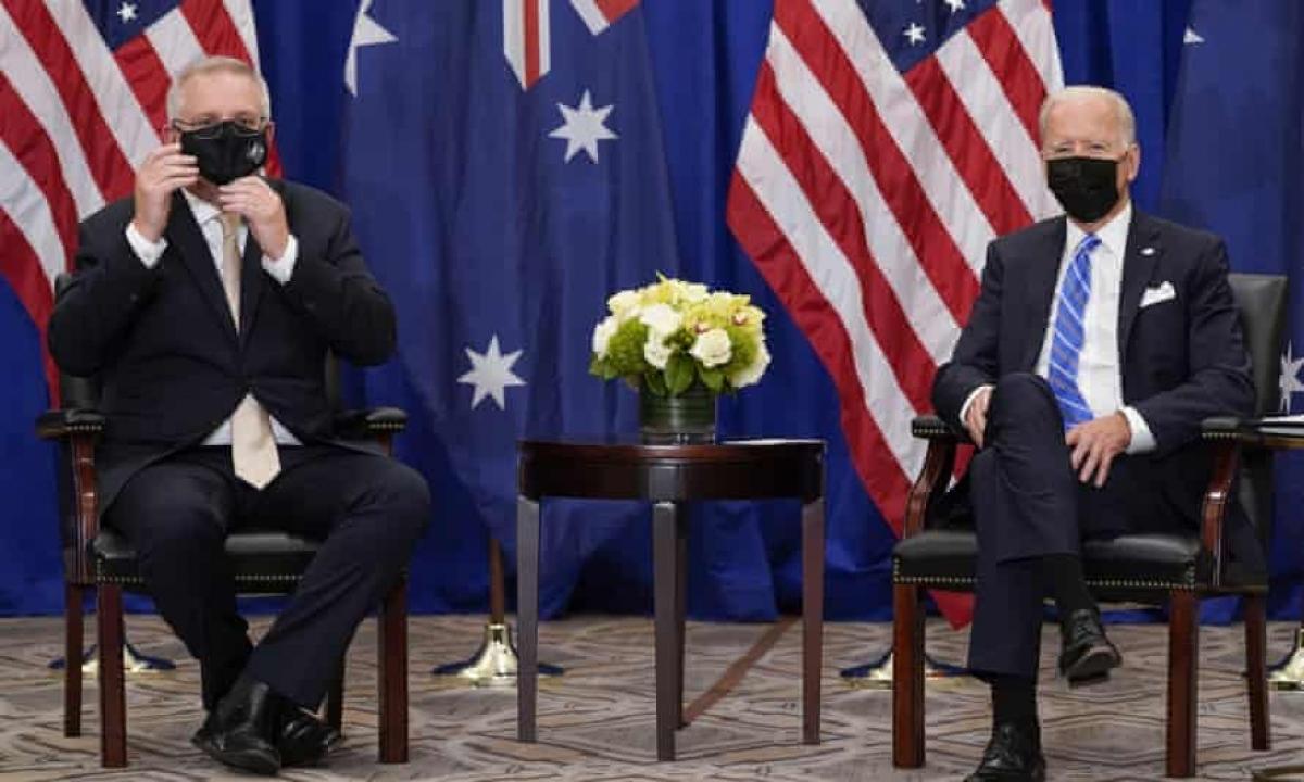 Tổng thống Joe Biden (phải) và Thủ tướng Scott Morrison gặp nhau bên lề Đại hội đồng Liên Hợp Quốc tại New York ngày 21/9. Ảnh: AP